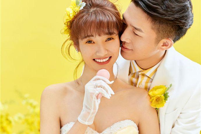 在中国有很多不同品牌的婚纱摄影,作为消费者总是会根据自己的实际情况来挑选。在生活中你有没有听说过唯一视觉婚纱摄影?今天中国婚博会小编为您带来唯一视觉婚纱摄影团购价格。