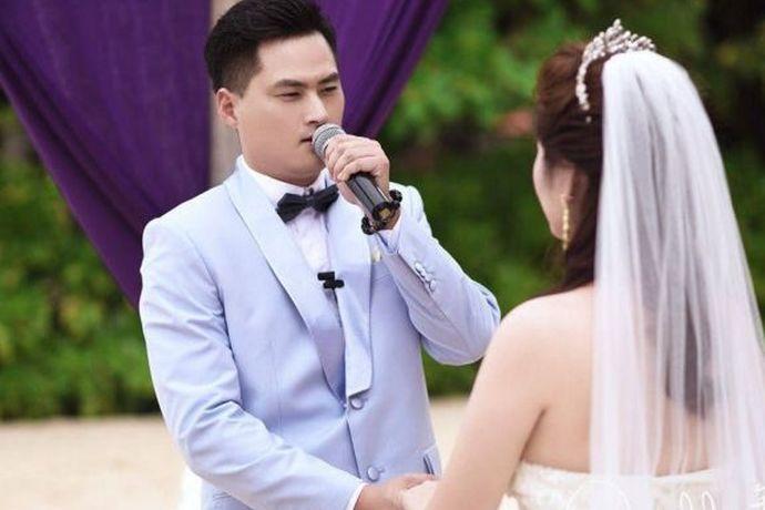 现如今有很多年轻人都喜欢到自己喜欢的国家举行婚礼,其中美丽的巴厘岛就是许多年轻人所向往的地方,可想而知,在这样一个充满幻想的城市举办婚礼所需的费用肯定也不低,那么接下来就和小编一起来看看巴厘岛结婚要花多少钱吧!