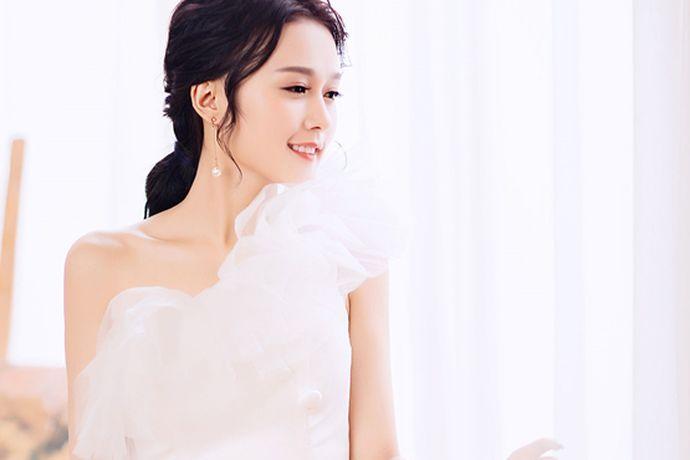 """""""北京巴黎之恋国际婚纱摄影""""成立于1998年6月,是北京地区最早成立的婚纱摄影机构之一。下面我们就来看看巴黎之恋国际婚纱摄影的相关信息,希望可以对您有帮助!"""