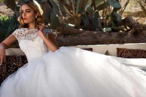 怎么根据自己的身材选择婚纱?