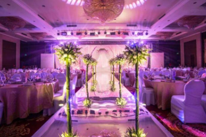 婚庆如今越来越流行,它从婚礼开始的策划,设计整个婚礼的流程,拍婚纱照,找车队,找酒店,草地,教堂,摄影等等都可以囊括在内。下面小编就给大家盘点一下安徽比较好的婚庆公司。