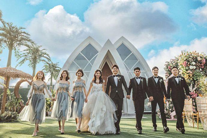 格乐利雅应该是北京最时尚的一站式海岛风婚礼堂,海岛风的椰树林,ins风打卡场景,粉色主题,满满的浪漫场地到处都是美好的样子。不同婚礼主题风格,实现海岛婚礼梦!