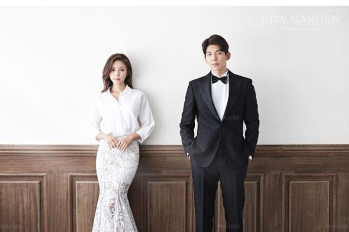 清新淡雅的韩式风格总是颇受90后的喜爱,相较于厚重浓妆与传统形式感,韩式风格的效果更注重捕捉情侣间细腻的幸福感和美感。