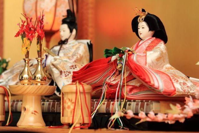 古装汉服是中华的传统,近年来随着汉文化的崛起,古装汉服越来越受年轻人喜爱,很多筹婚的新人也开始选择这类的婚照了。下面就跟着小编了解一下古装汉服种类,以及怎么拍一组美美的照片。