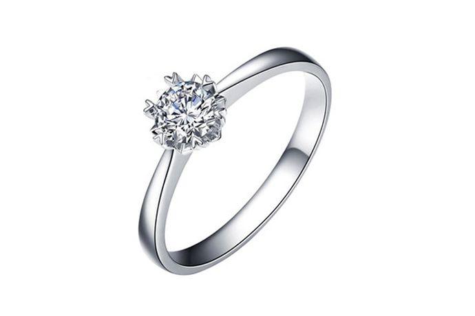 5厘米指的是戒指的周长为50mm,按照内地戒指尺寸对照表换算是10号戒指,按照香港戒指尺寸对照表换算为10号戒指,按照美版戒指尺寸对照表换算是6号戒指。