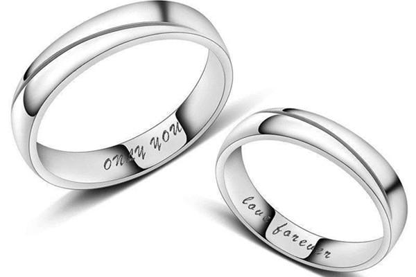 情侣戴戒指怎么戴