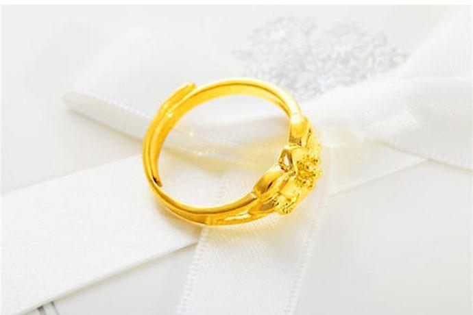 戒指8号在港码戒指尺寸标准中对应的直径是15.1mm,对应的周长是47.5mm。在美号戒指尺寸对照表中对应的直径是直径18.10mm,对应的周长是57.00mm,相当于港码戒指尺寸中的16号戒指。