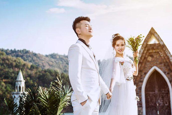 结婚不一定非要拍婚纱照,新人自己做决定就好,只要两个人协商好意见保持一致,拍不拍婚纱照都是可以的。结婚的婚纱照很具有纪念意义,建议还是拍比较好。