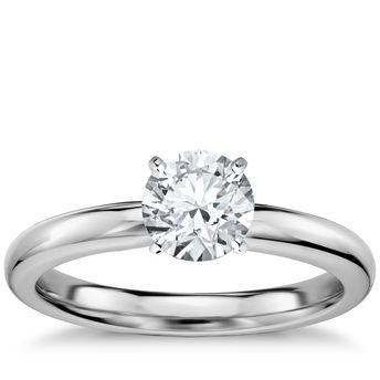 经典内圈卜身设计单石订婚戒指 14k 白金 (2.5 毫米)