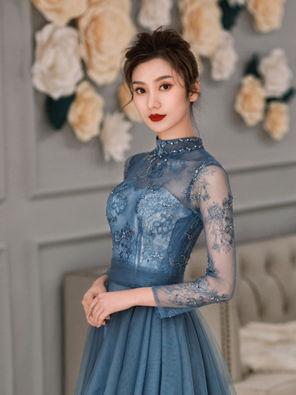 蓝色优雅礼服
