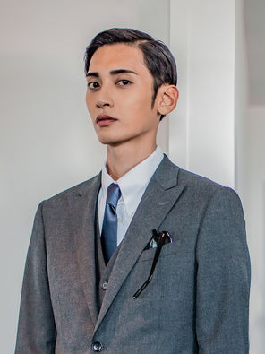 2020款经典纯烟灰色时尚西装