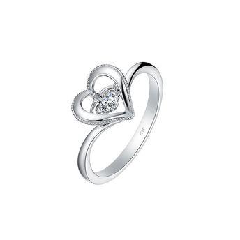 周大福:怦然系列心形灵动18K金钻石戒指 价格面议